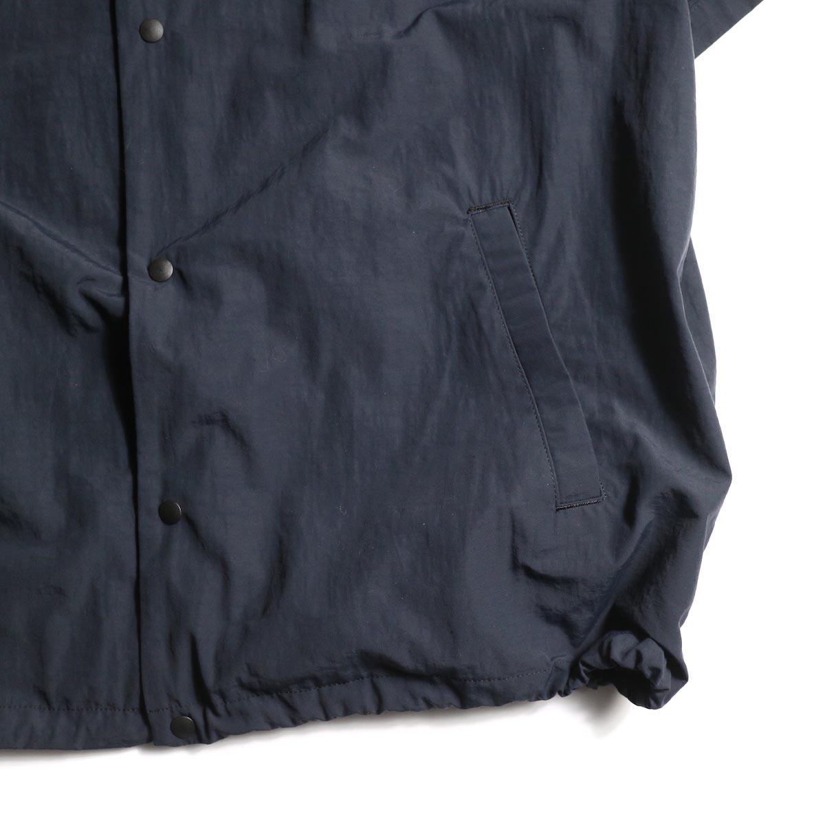 DESCENTE ddd / COACH SHIRT (Black)裾、ポケット