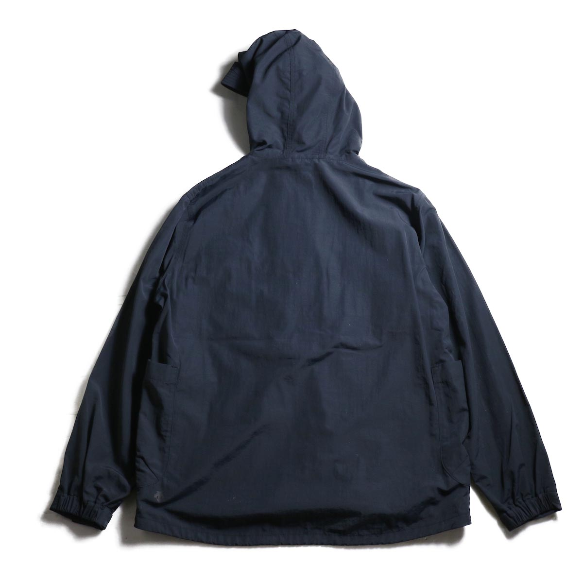 DESCENTE ddd /  PULLOVER JACKET (Black)背面