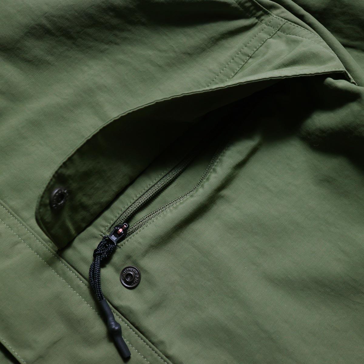 DESCENTE ddd / PULLOVER JACKET (Khaki)ポケット