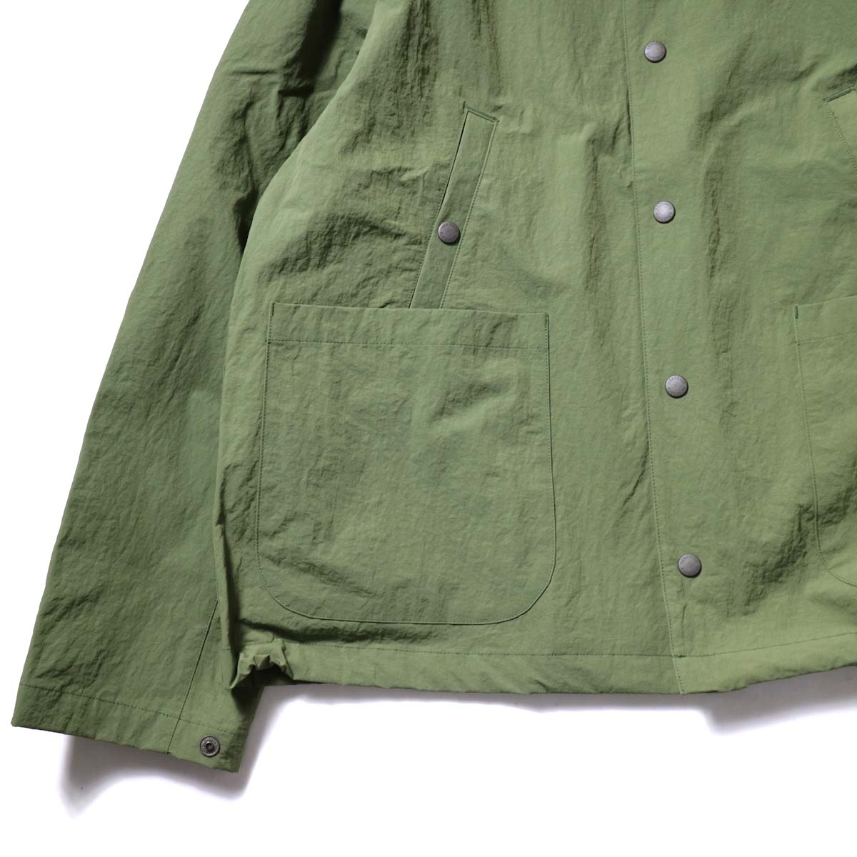 DESCENTE ddd / SWING COACH JACKET (Khaki)袖・裾