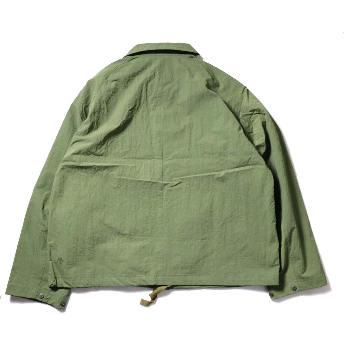 DESCENTE ddd / SWING COACH JACKET (Khaki)背面