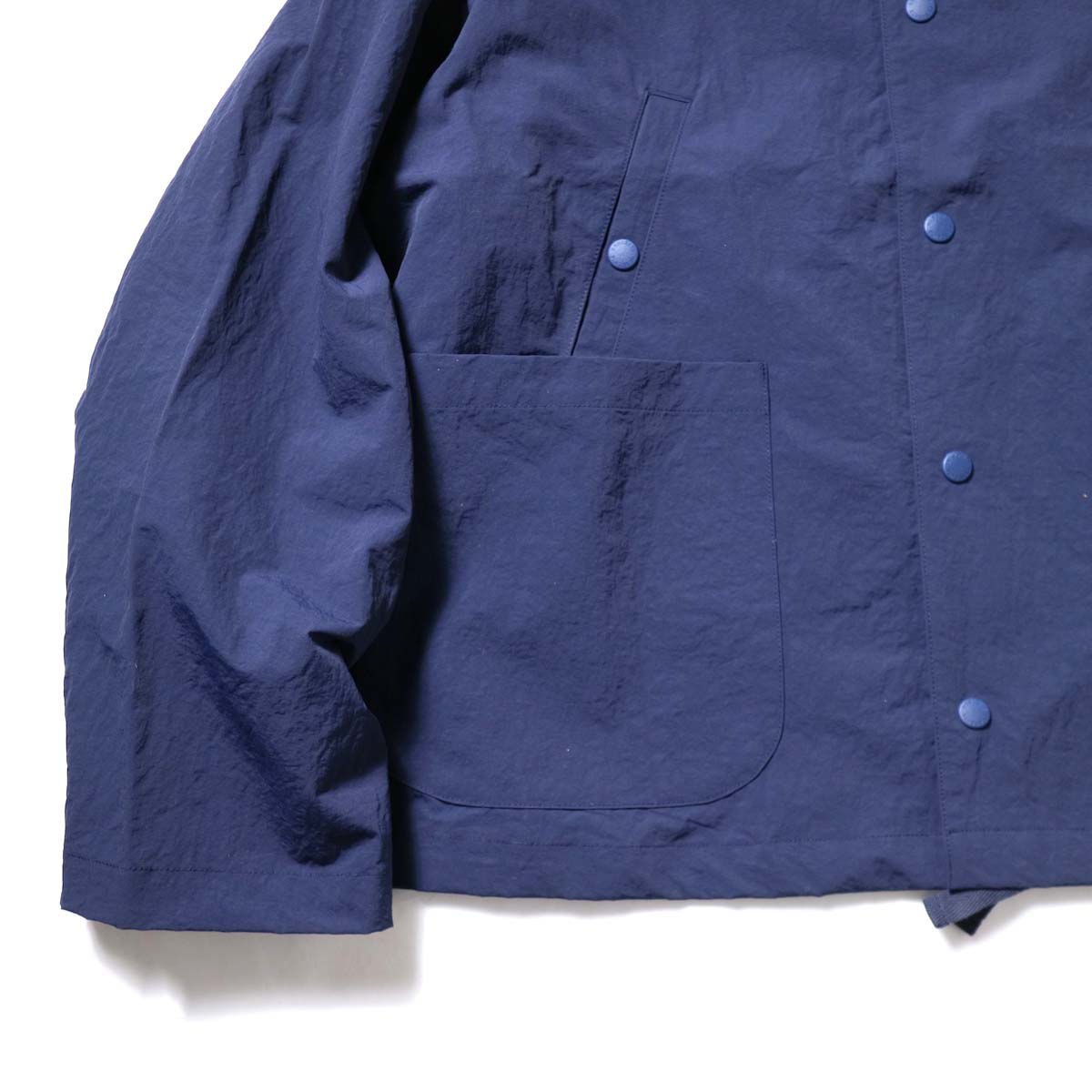 DESCENTE ddd / SWING COACH JACKET (Navy)袖・裾