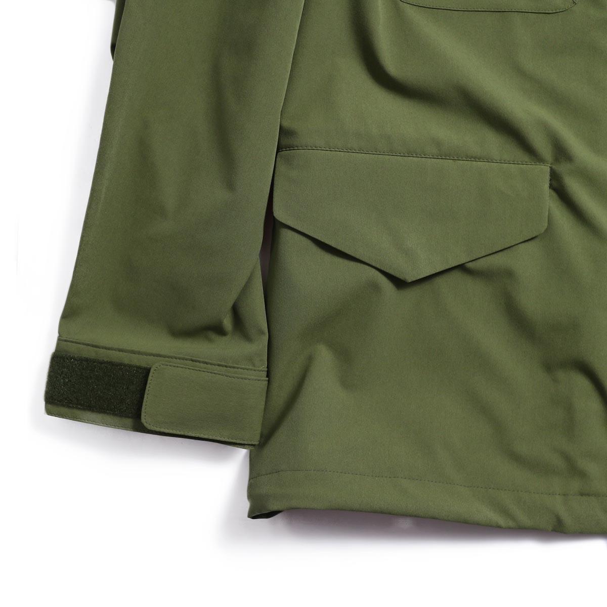 DESCENTE ddd / Utility Jacket -OLIVE 裾