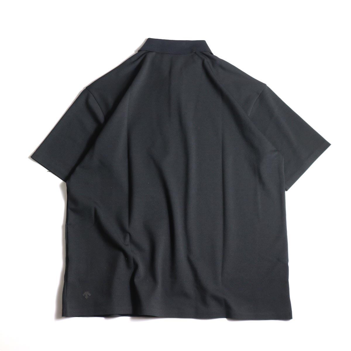 DESCENTE PAUSE / POLO SHIRT (Black)背面