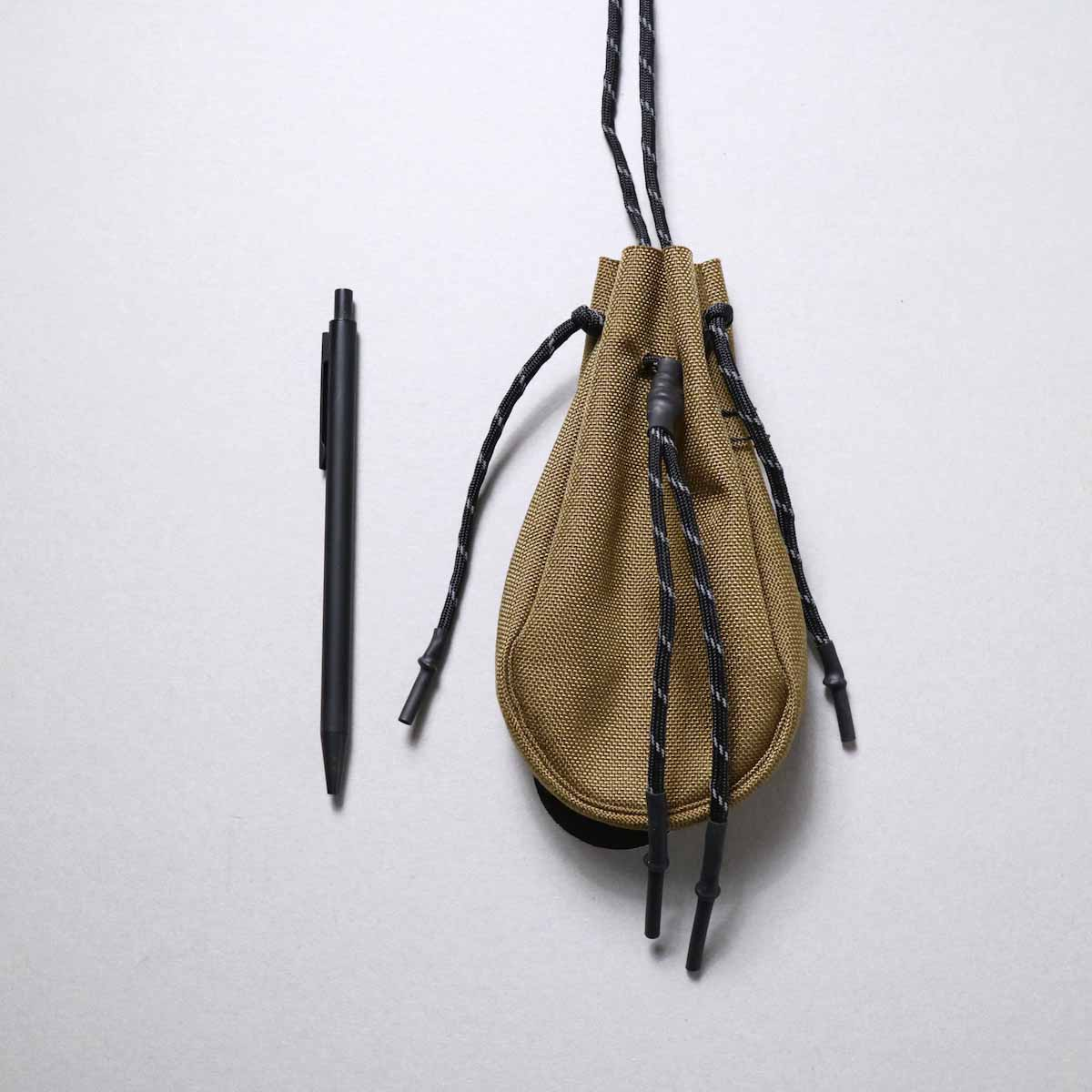 吉岡衣料店 / drawstring bag -XS-. (Coyote)