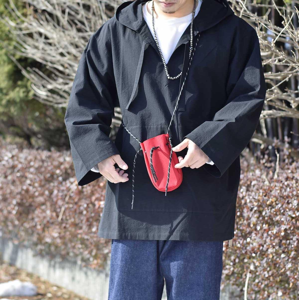 吉岡衣料店 / drawstring bag -XS-. 着用イメージ
