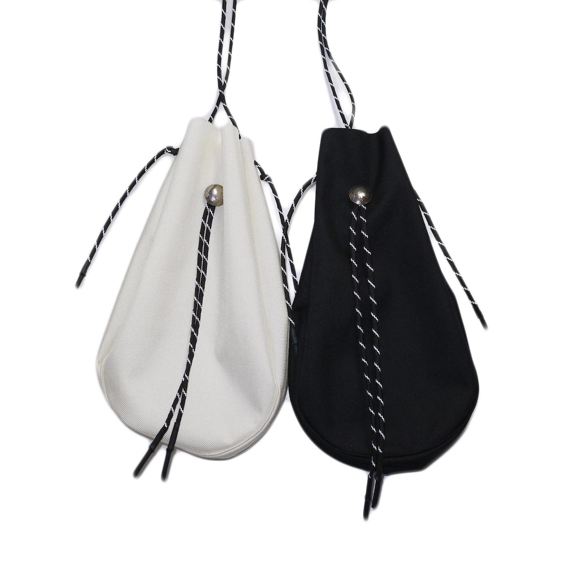 吉岡衣料店 / drawstring bag -L-. w/concho. white 2色