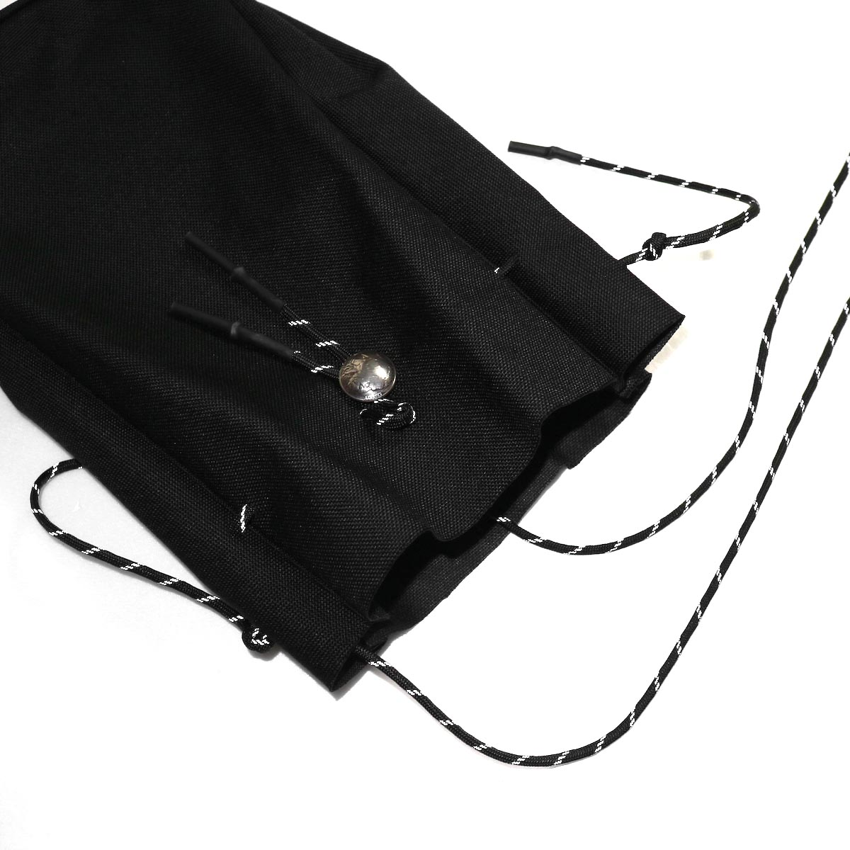 吉岡衣料店 / drawstring bag -L-. w/concho. black開口部