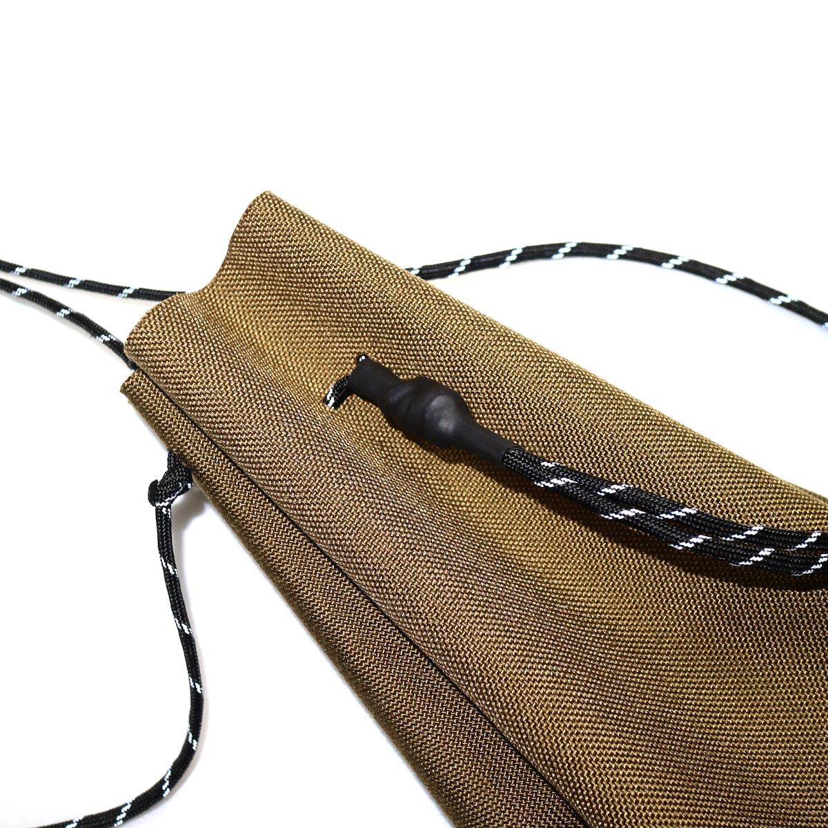 吉岡衣料店 / drawstring bag -S-. イメージ (coyote brown)