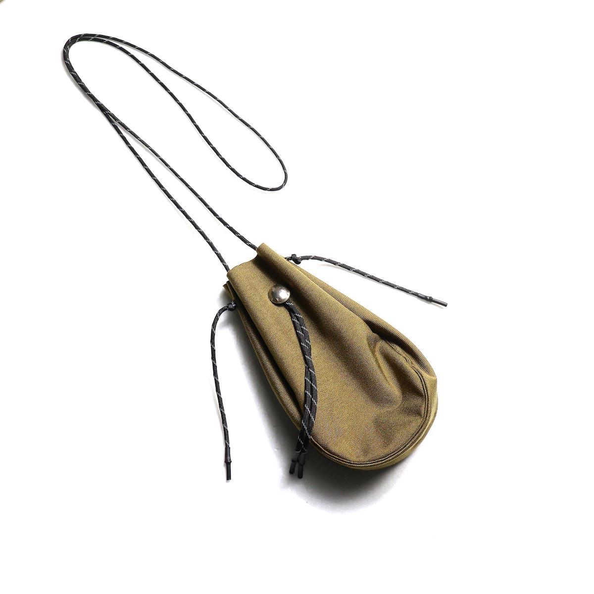 吉岡衣料店 / drawstring bag -S-. w/concho. (Coyote)