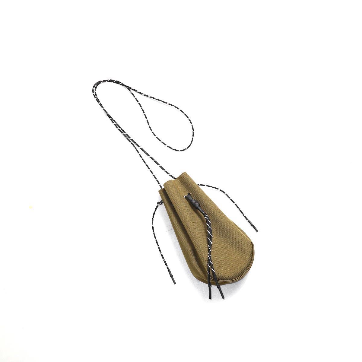 吉岡衣料店 / drawstring bag -S-. (Coyote Brown)