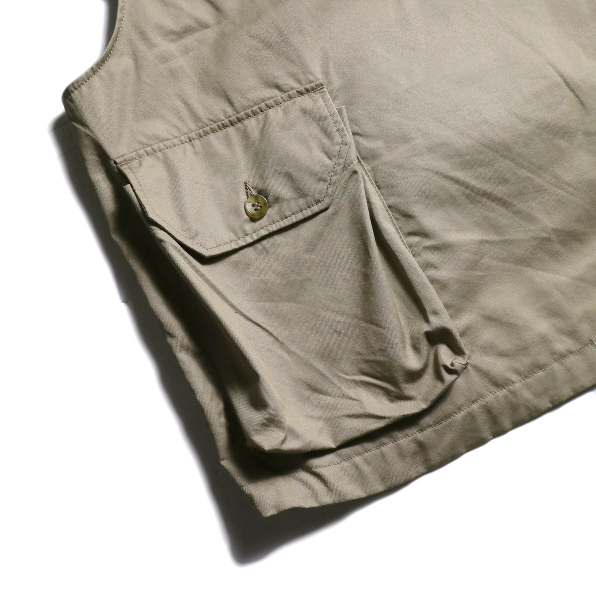 Engineered Garments / Cover Vest -High Count Twill (Khaki) 背面ポケット