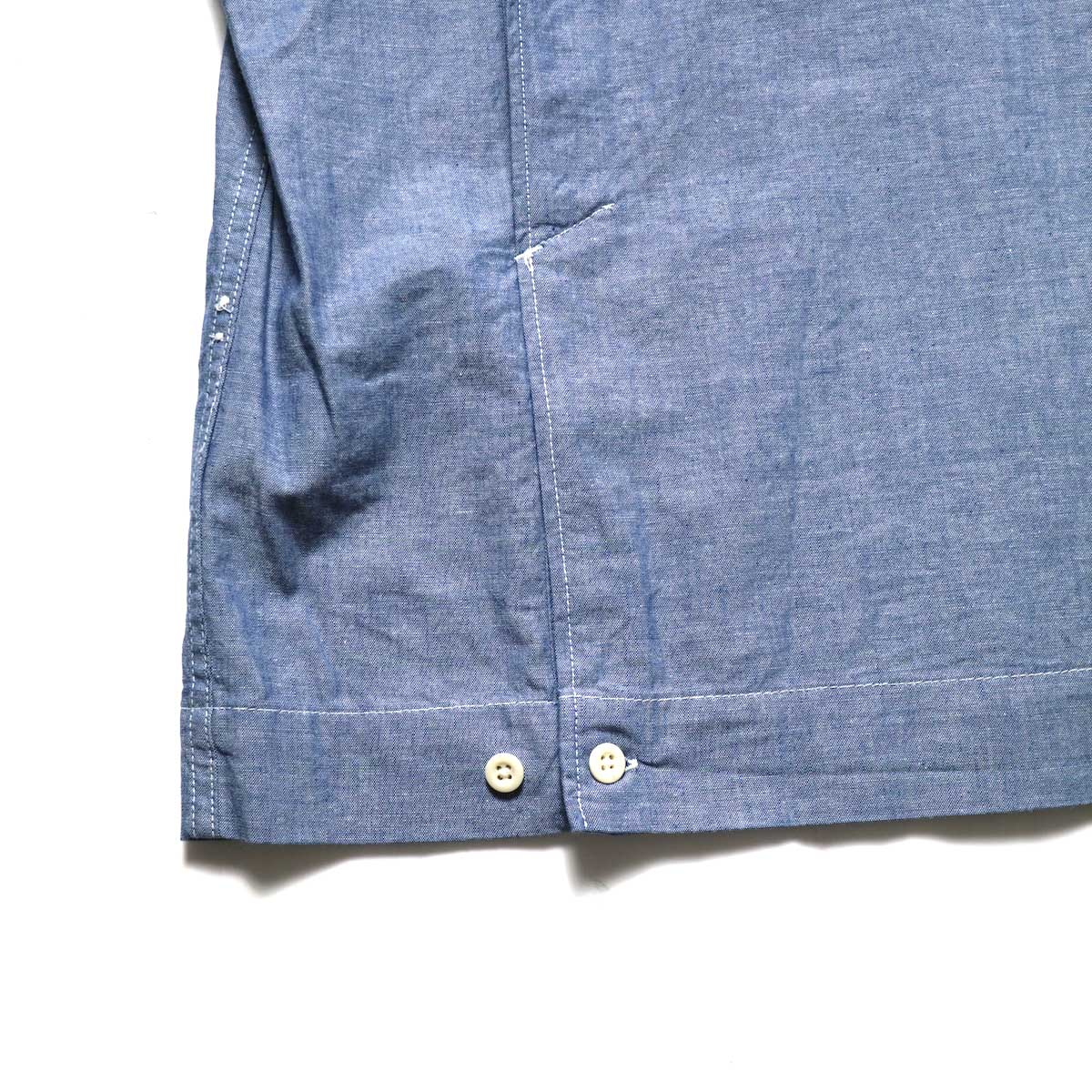 Engineered Garments / Bowling Shirt-Cotton Chambray (Blue)アジャスター