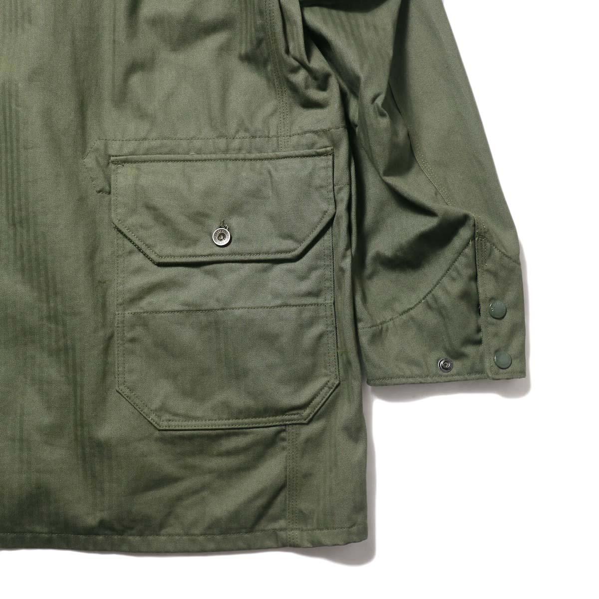 Engineered Garments / Long Logger Jacket -Hb Twill (Olive)背面ポケット
