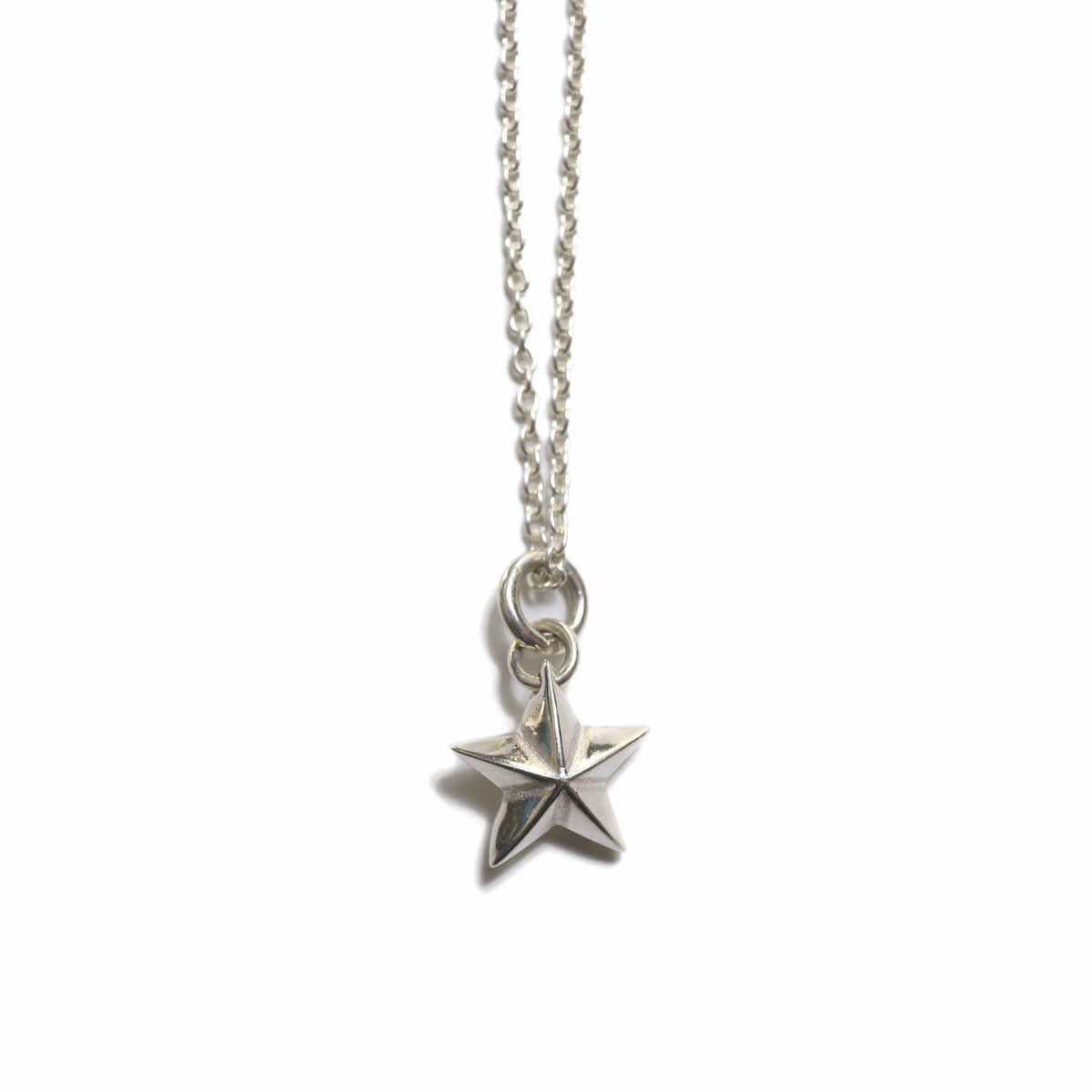END / star charm necklace