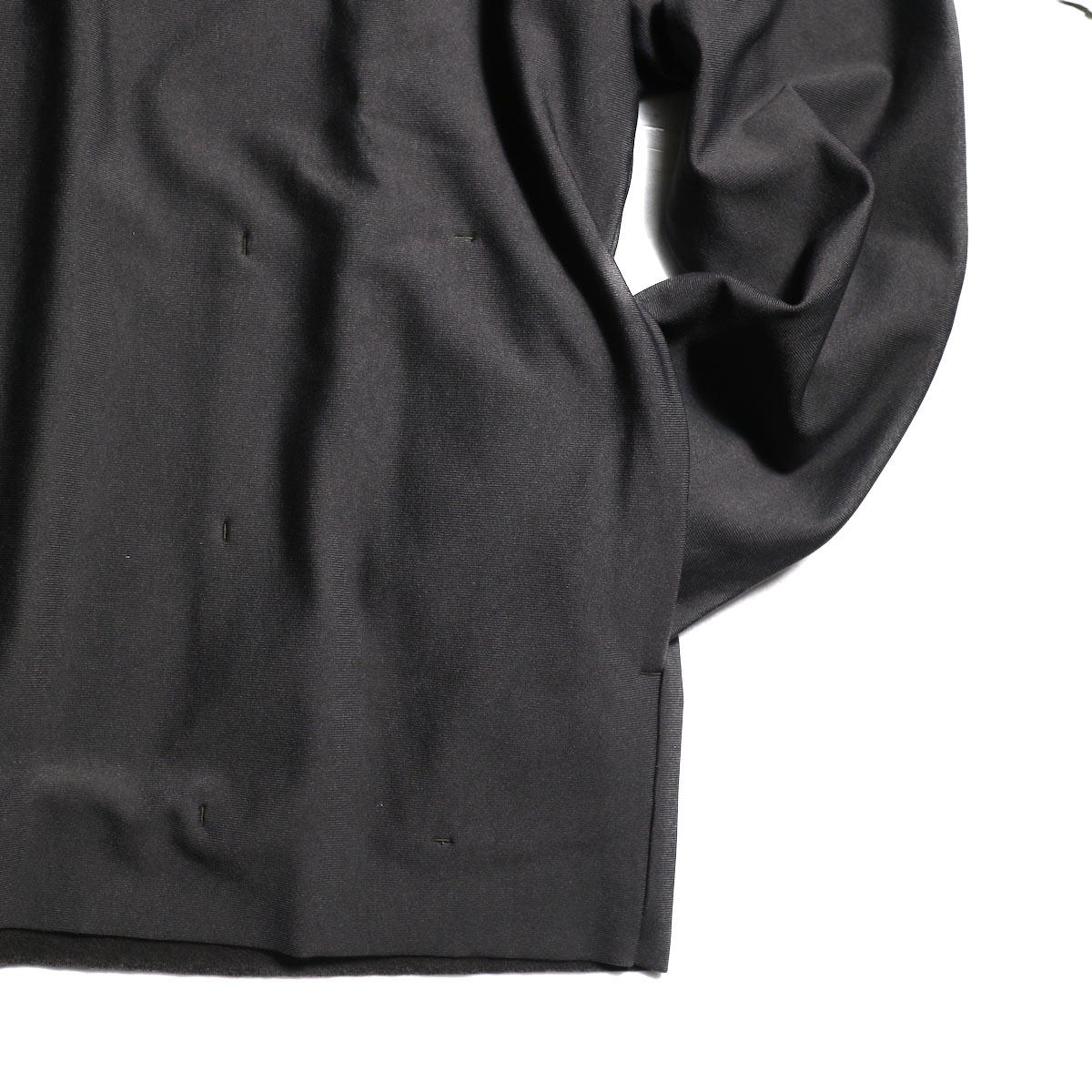 袖、裾、ポケット