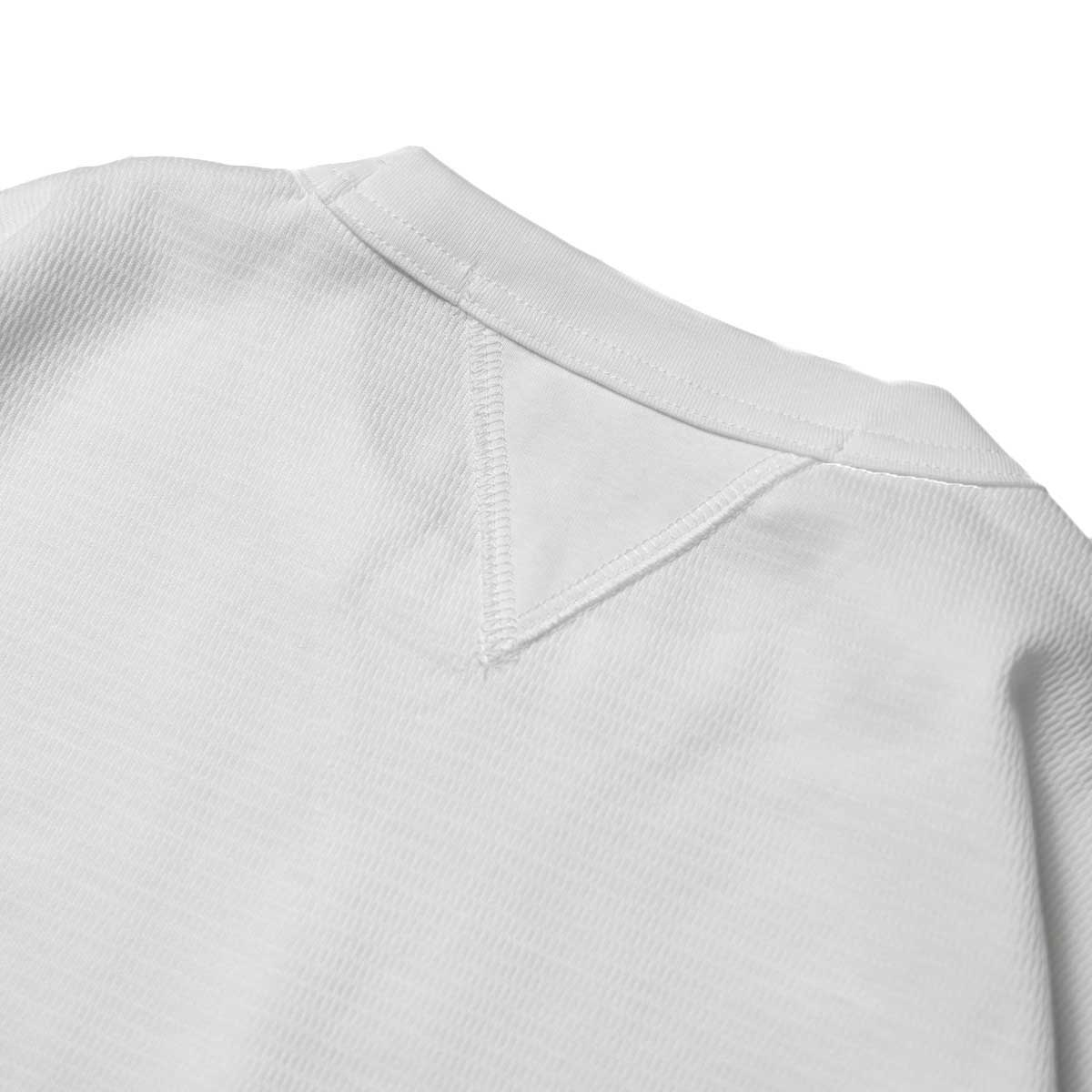 FUTURE PRIMITIVE / FP THERMAL V T-SHIRT (White)背面ガセット