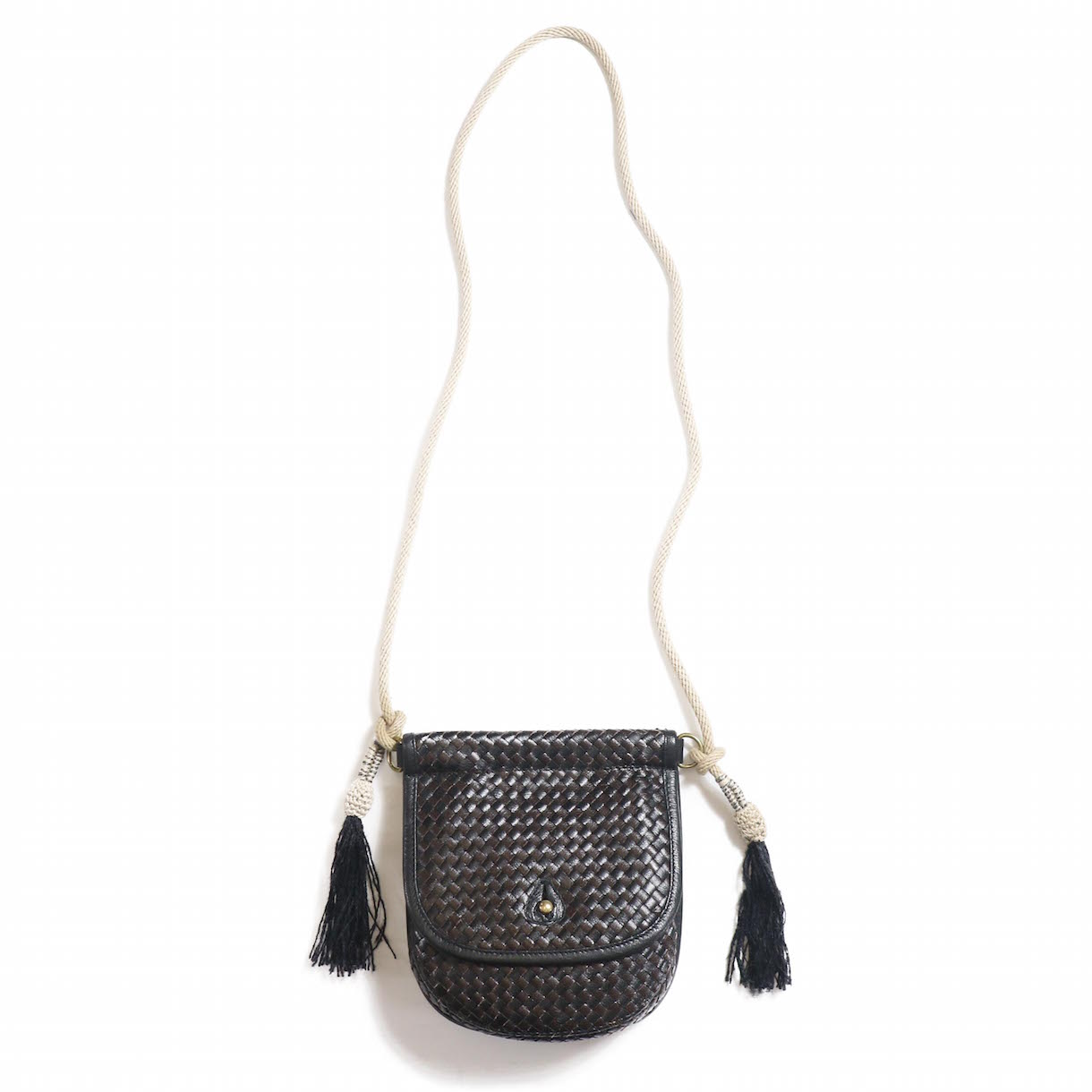 FUMIKA UCHIDA / GOAT LEATHER WOVEN ROPE TASSELE SHOULDER POCKET-BLACK