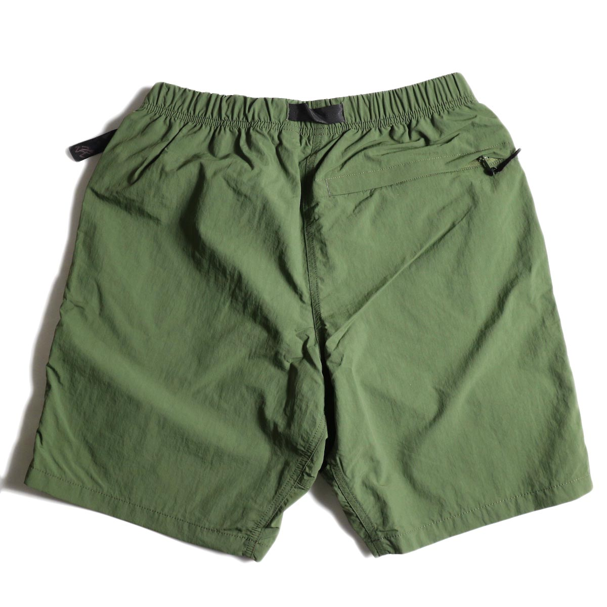 GRAMICCI / Shell Packable Shorts (Olive)背面