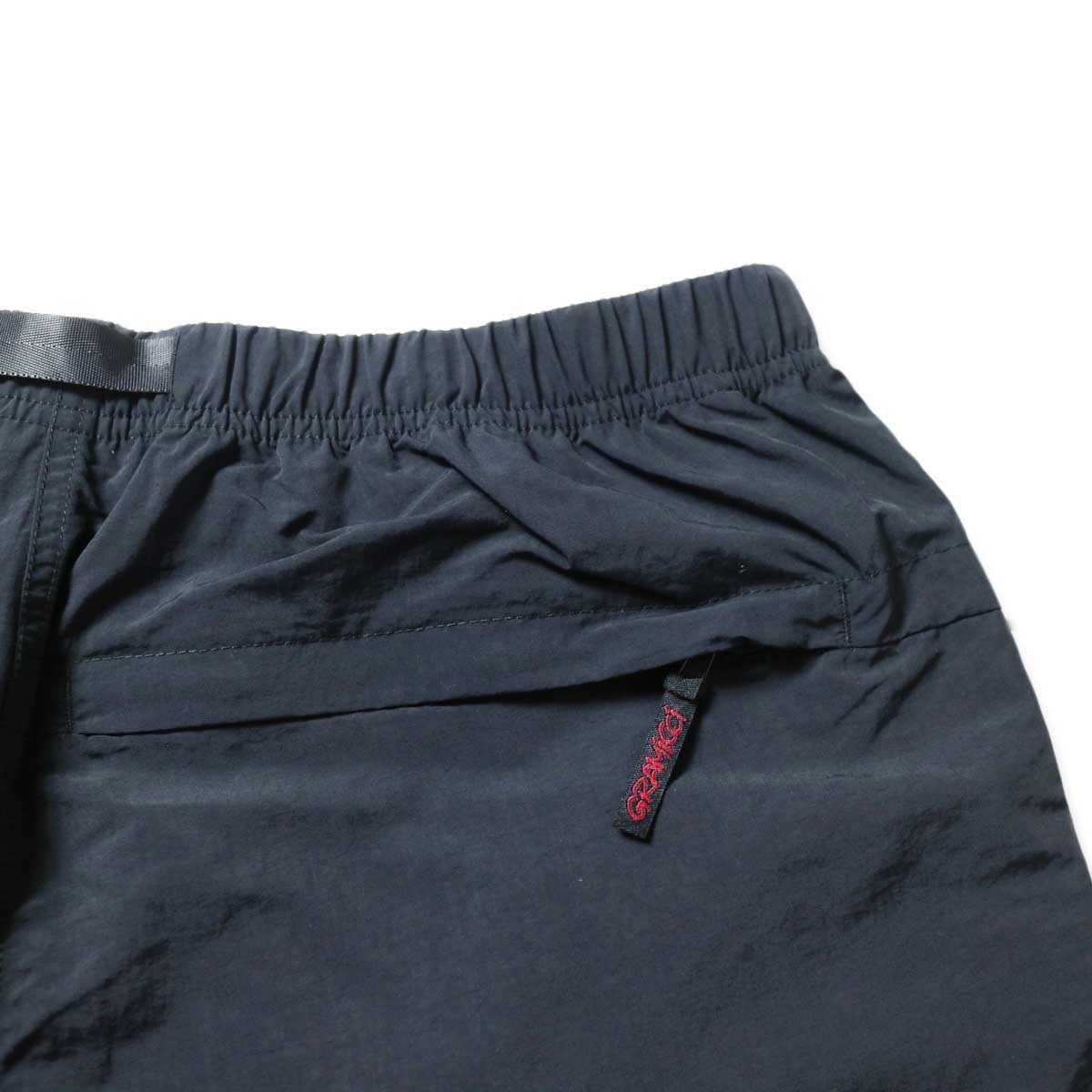 GRAMICCI / SHELL PACKABLE SHORTS (Black)バックポケット