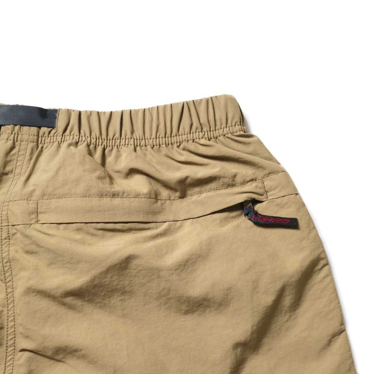 GRAMICCI / SHELL PACKABLE SHORTS (Tan)バックポケット