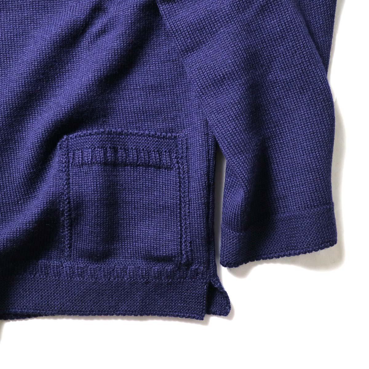 Guernsey Woollens / Reveaux (Navy)袖、裾