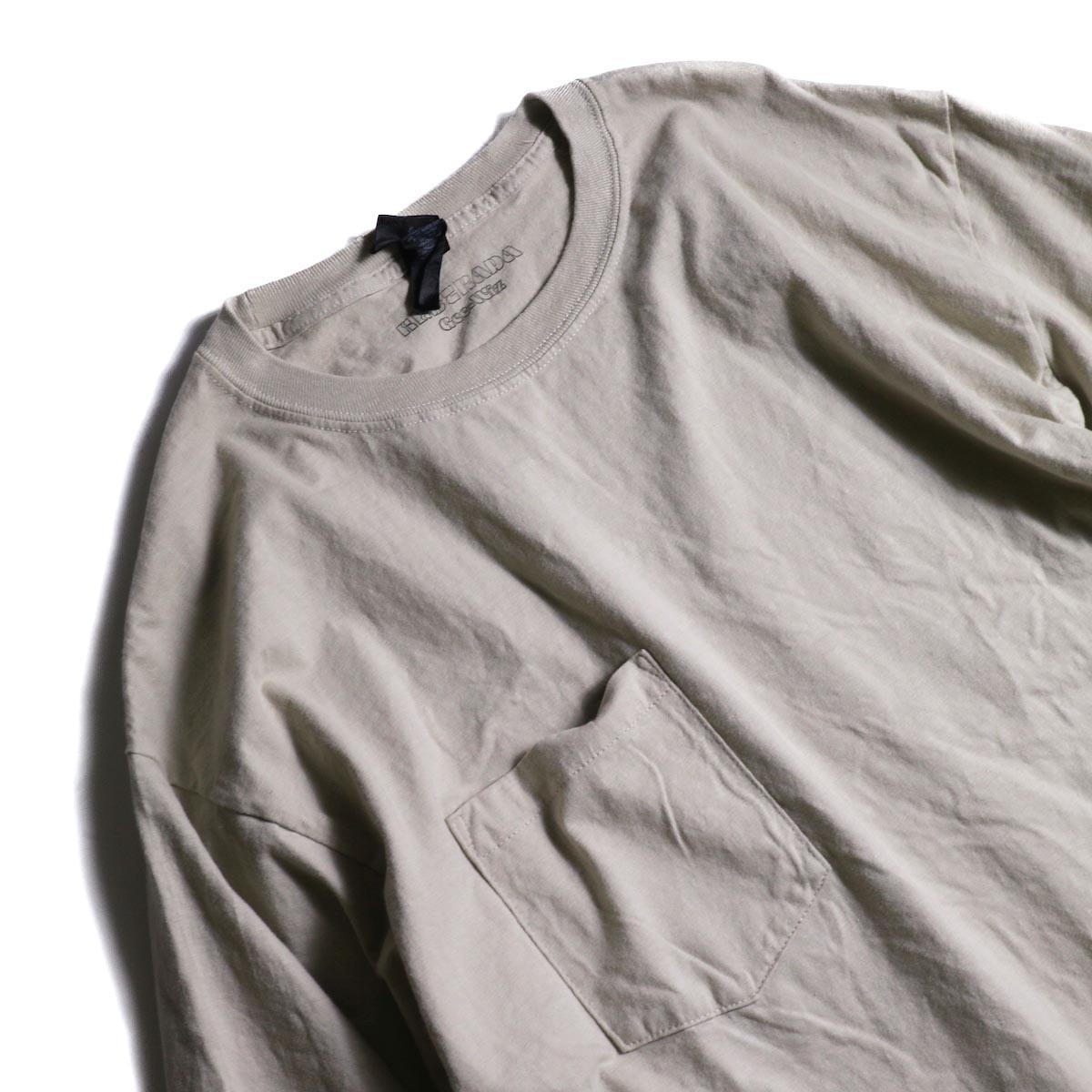 HESTRADA GEE-WIZ / SWITCH L/S Tee (Sand)襟、ポケット