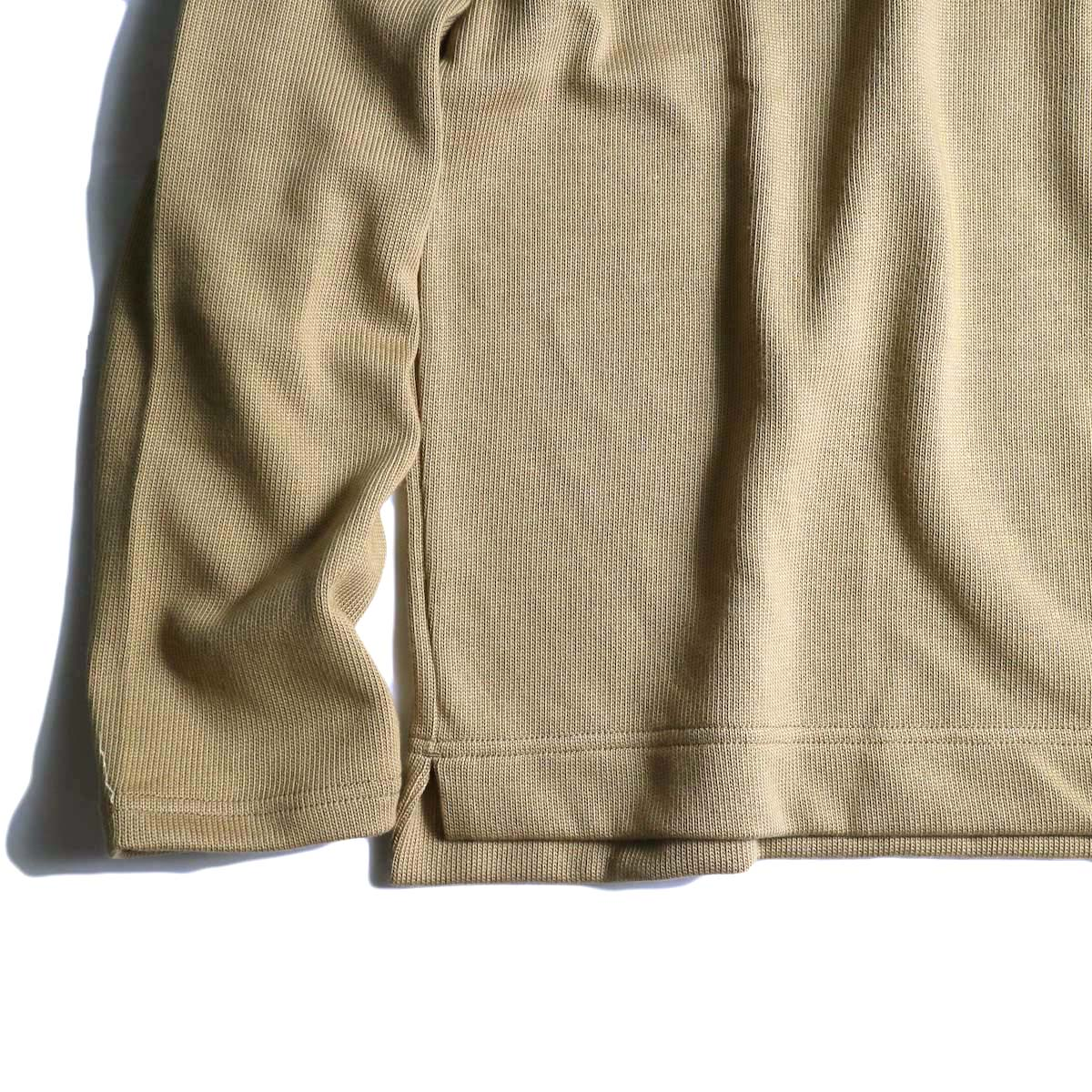 Jackman / Heavy Pima Crewneck (beige) 裾、袖