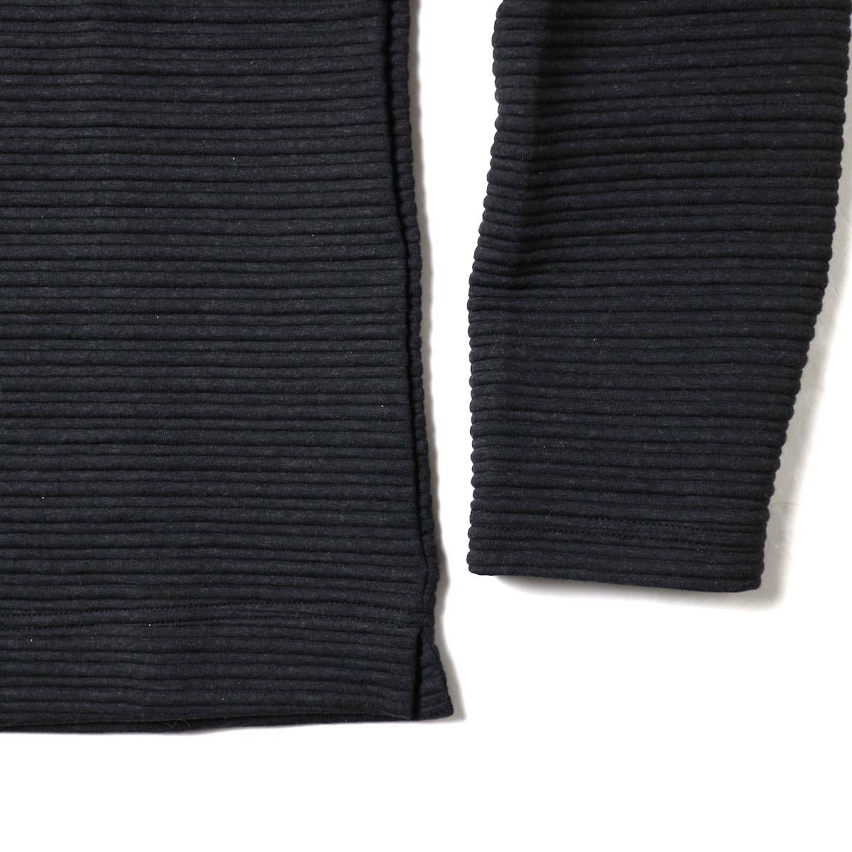 Jackman / Quilt Highneck (Black)袖、裾