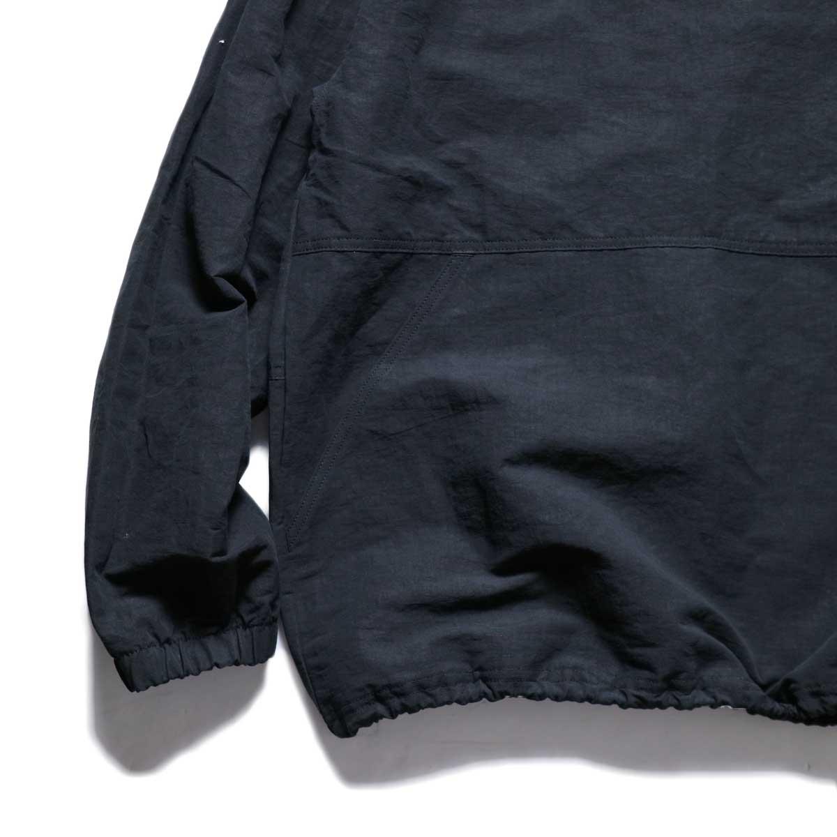 Jackman / Wind Trainer (Black) 袖・裾