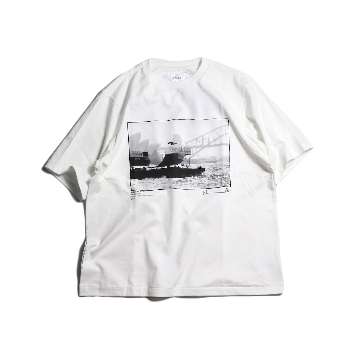 JANE SMITH / OMAR HASSAN SYDNEY HARBOR S/S Tee 正面