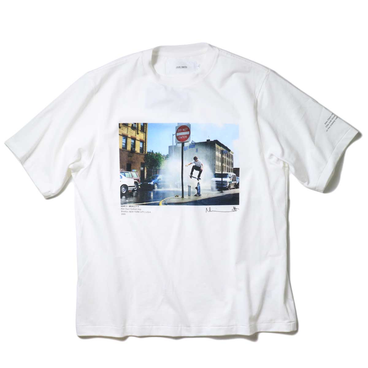 JANE SMITH / HYDRANT HOP S/S T-SHIRT