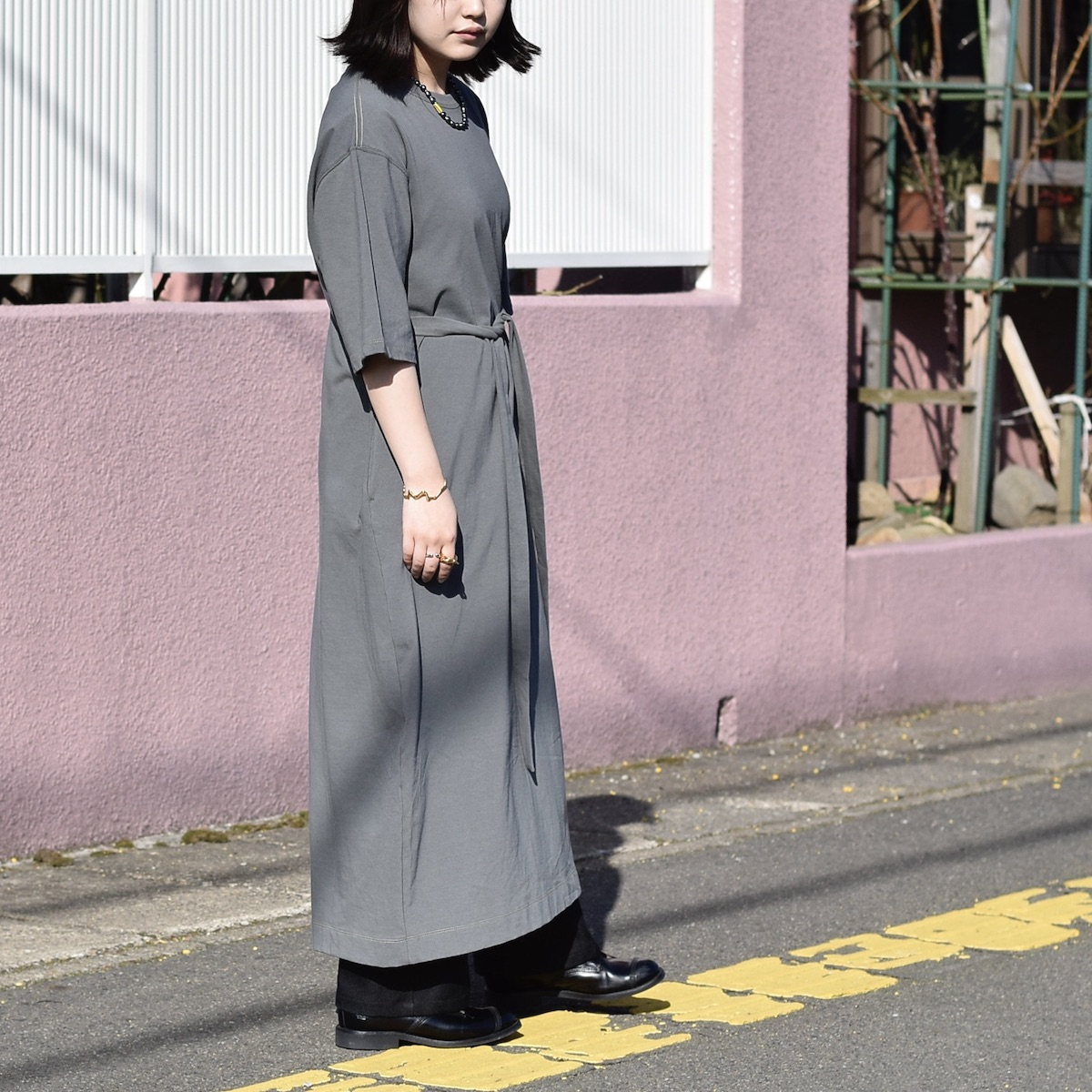 JANESMITH / BACK CACHECOEUR OP (Sage Green) 着用画像①