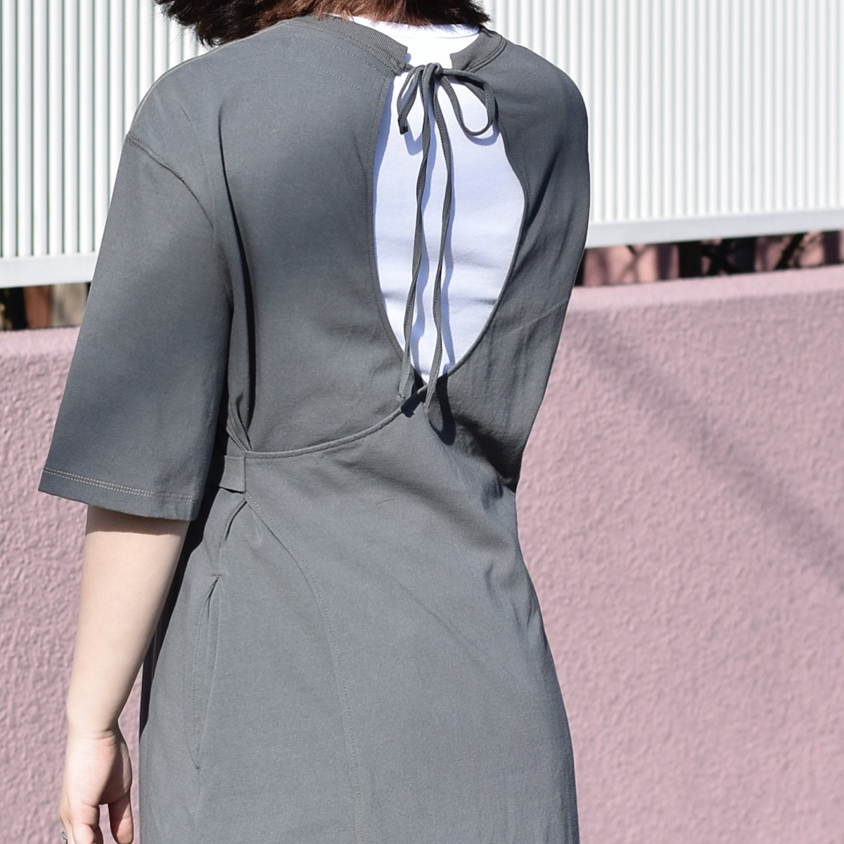 JANESMITH / BACK CACHECOEUR OP (Sage Green) 着用画像③
