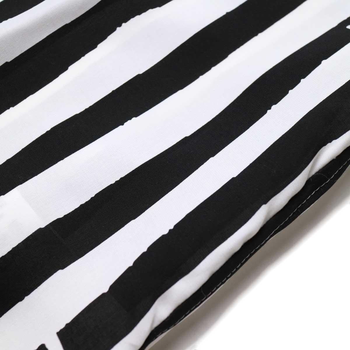 JANE SMITH / OPEN COLLAR SHIRTS S/S (White Black) 生地アップ