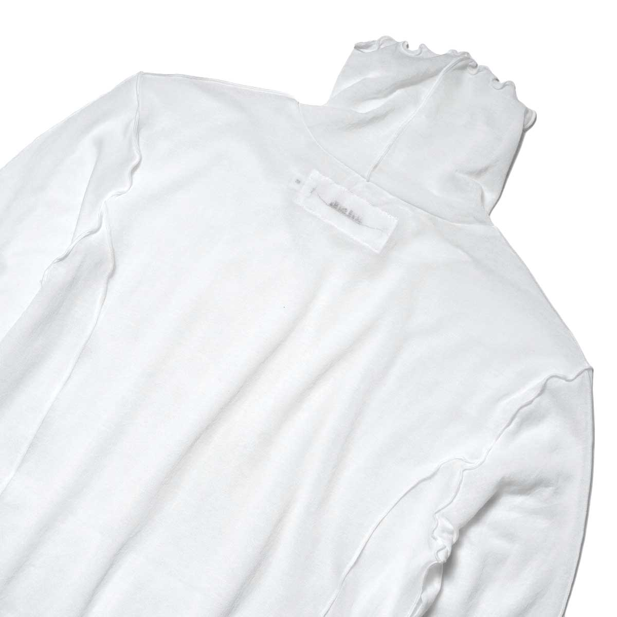JANE SMITH / SHEAR BOW HIGHNECK PULLOVER (White) 背面アップ