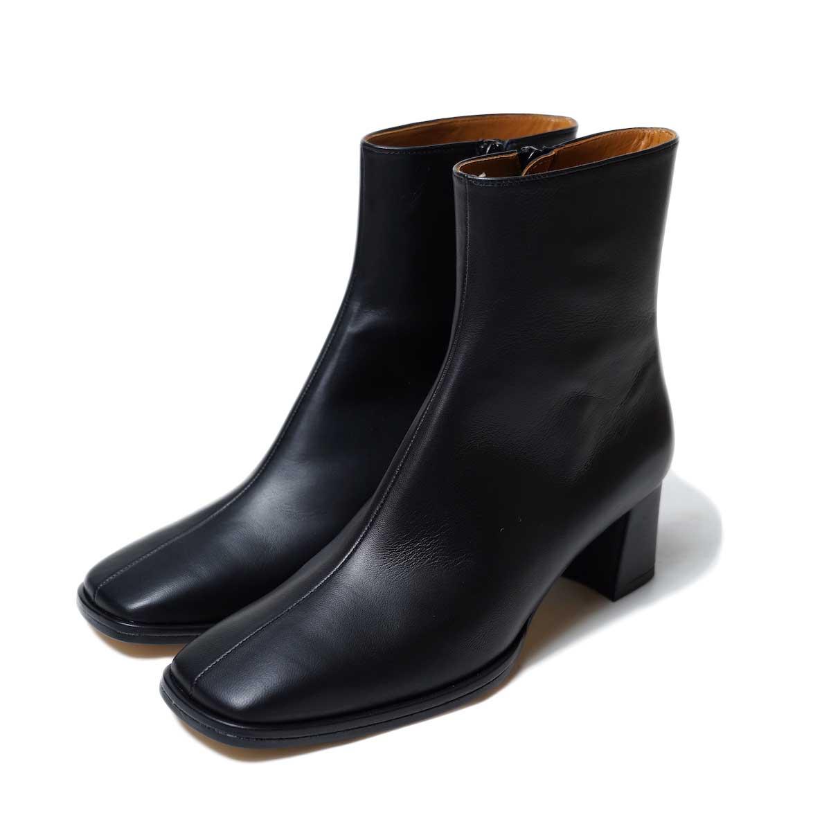 JANESMITH / SQUARE TOE SHORT BOOTS (Black)