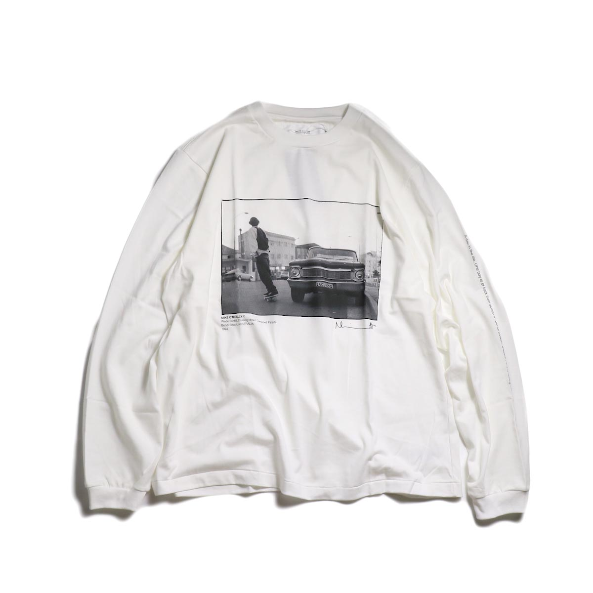 JANE SMITH / MIKE O'MEALLY CRUSING DOWN CAMBELL PARADE L/S -White 正面