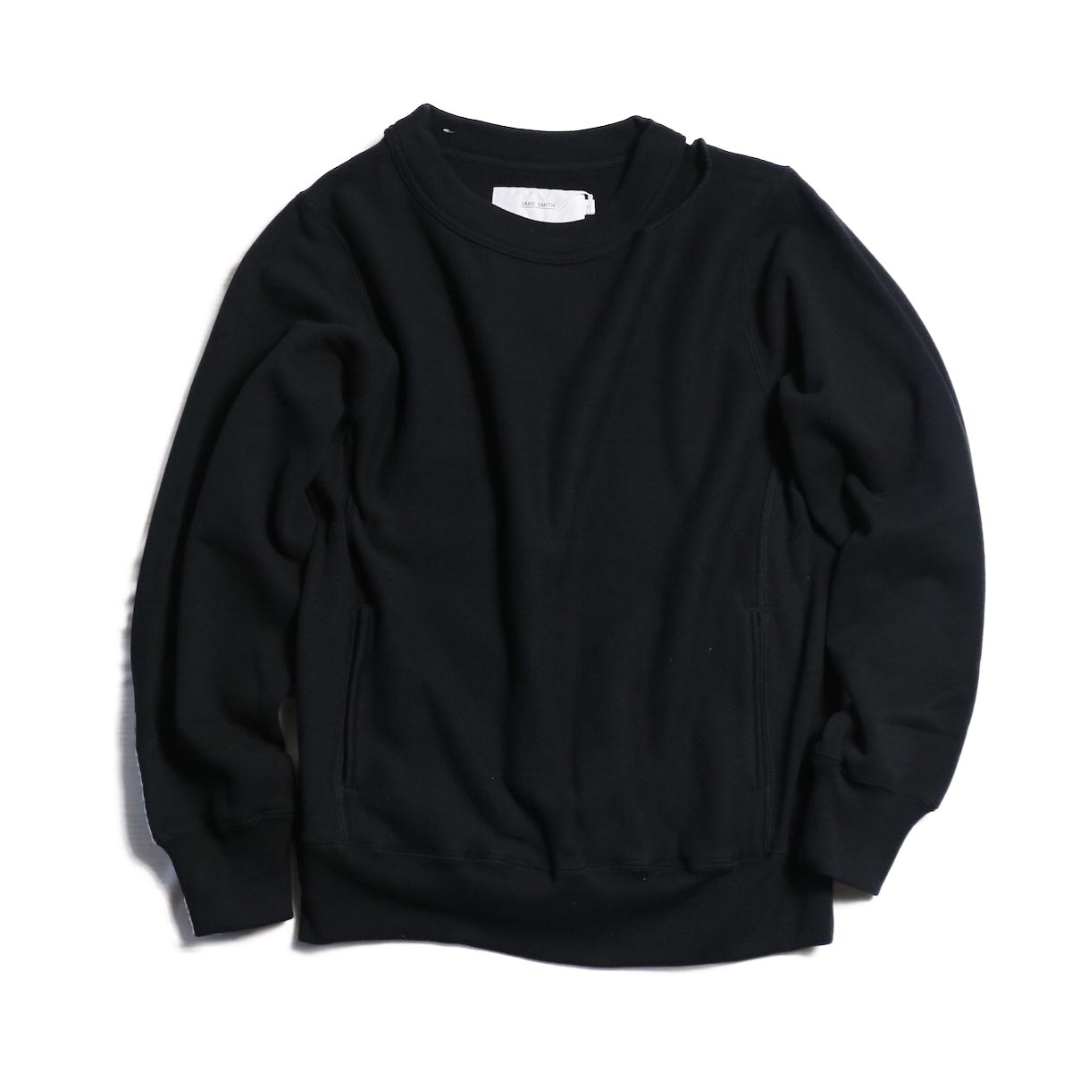 JANE SMITH / CREW NECK SWEAT PULL OVER -BLACK