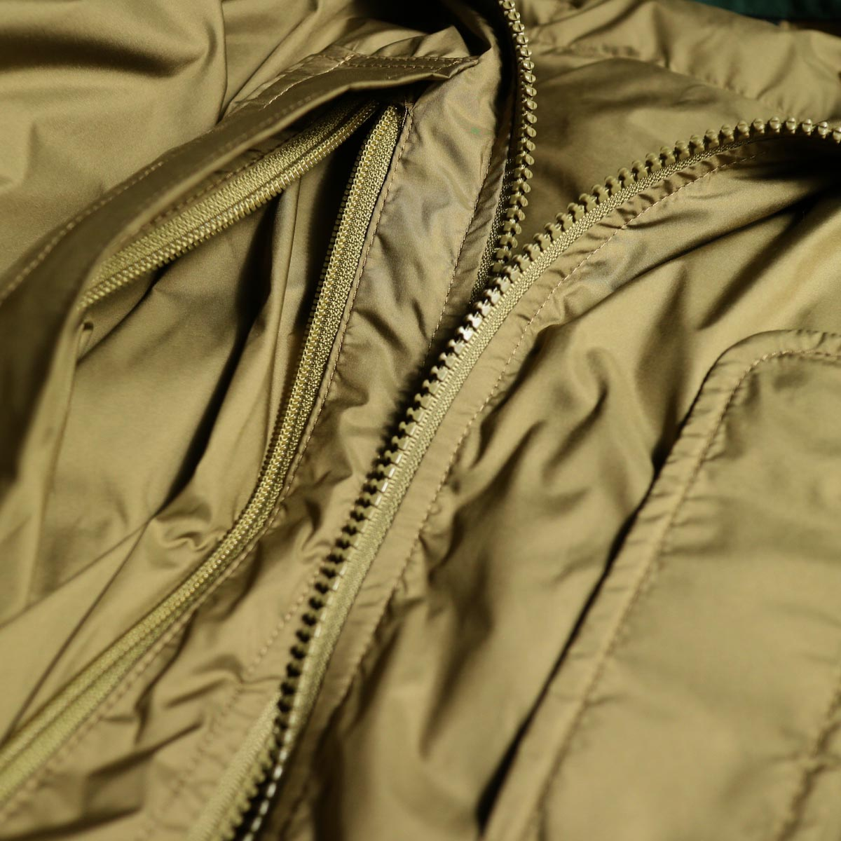J&S Franklin / BRITISH ARMY PCS LIGHT WEIGHT DOWN JACKET (Coyote) ポケット