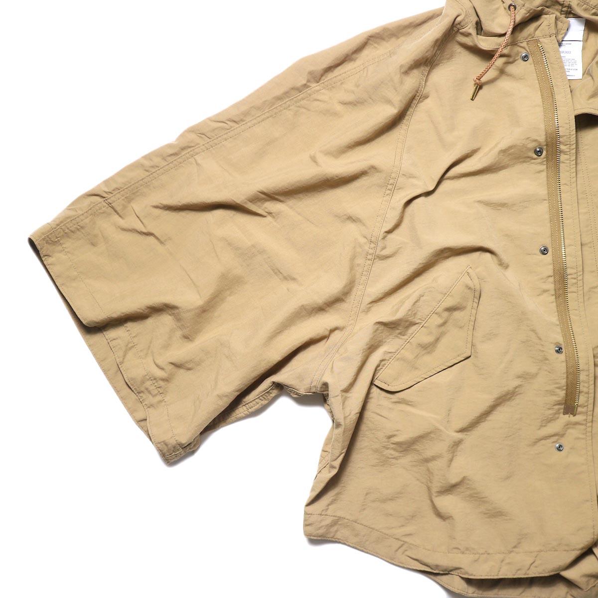 KHA:KI / TYPE-51 HOODED CAPE (camel) 袖