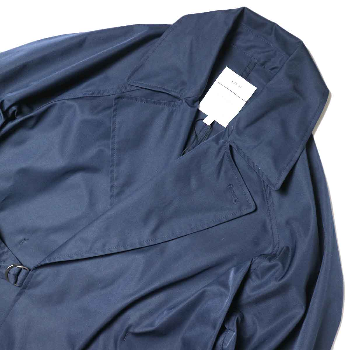 KHA:KI / BELTED WRAP TRENCH COAT (Navy) 襟