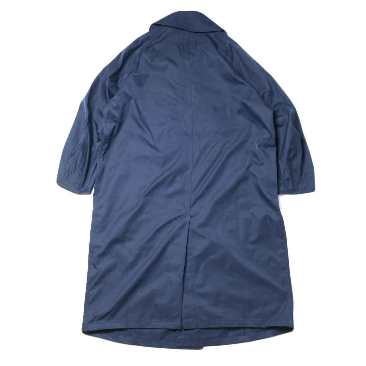 KHA:KI / BELTED WRAP TRENCH COAT (Navy) 背面