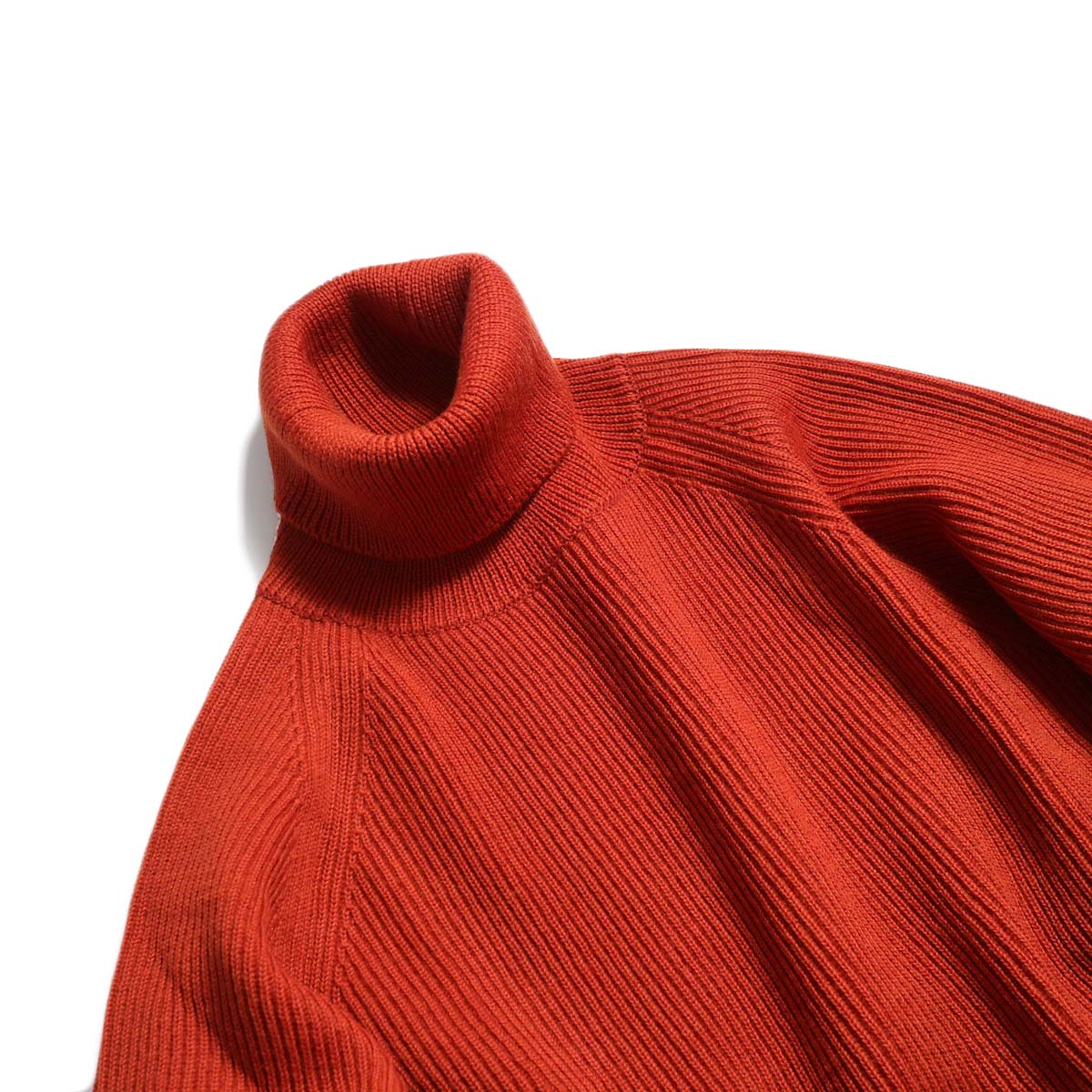 Living Concept / LOW GAUZE TURTLENECK KNIT -RED ネック