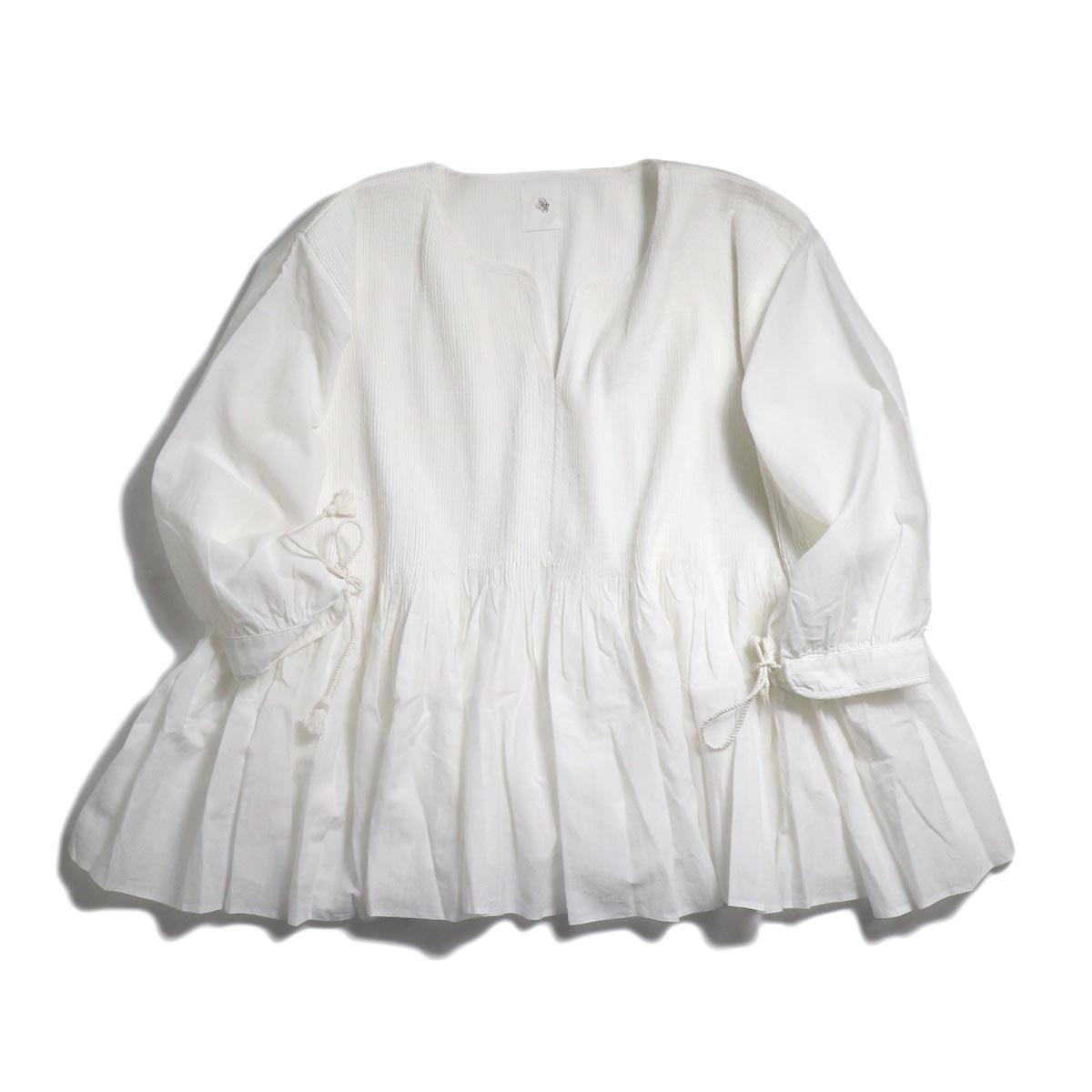 maison de soil / Mini Pintuck Pullover With Hand Crochet -White