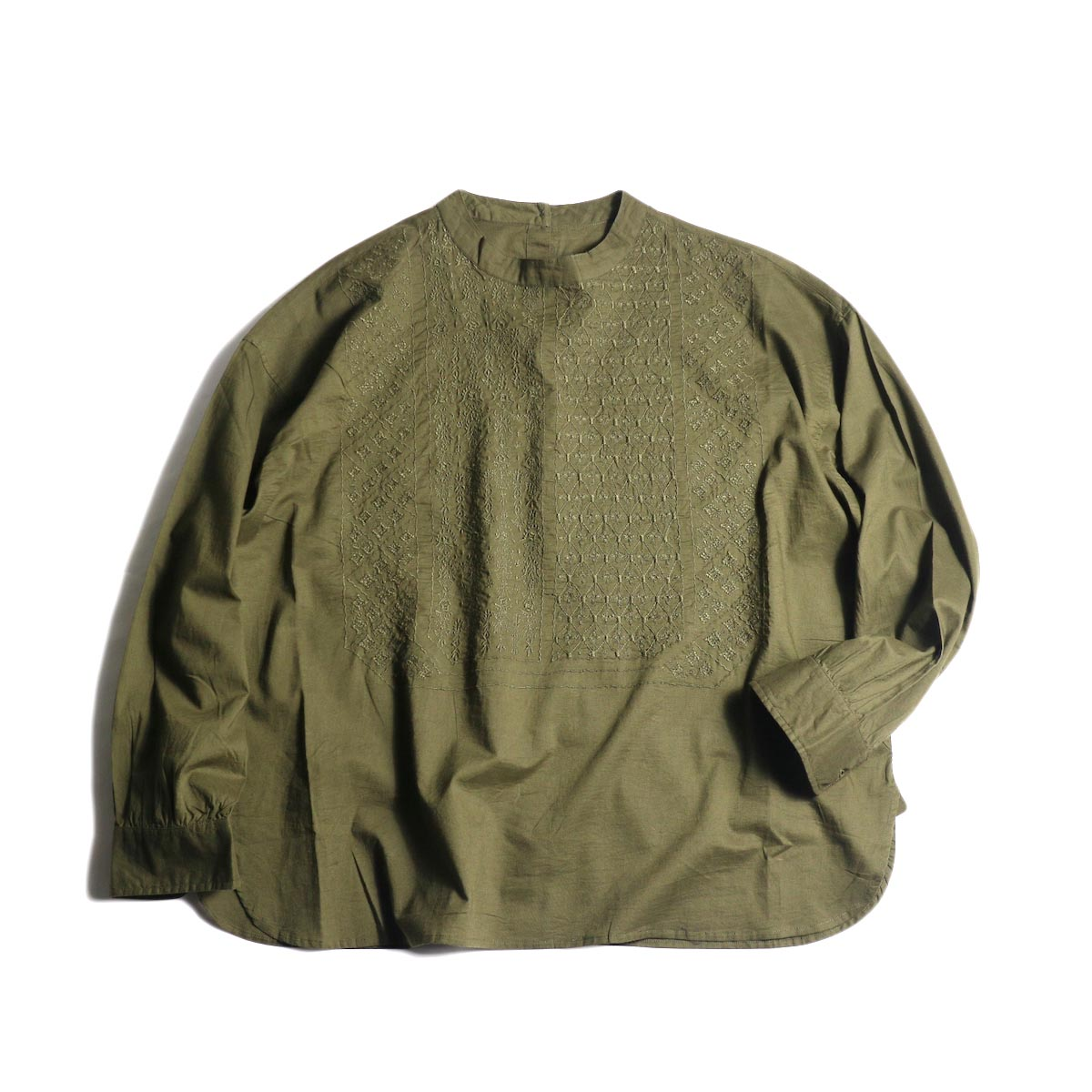 maison de soil / BACK OPENING STAND COLLAR SHIRTS(DK.OLIVE) 正面