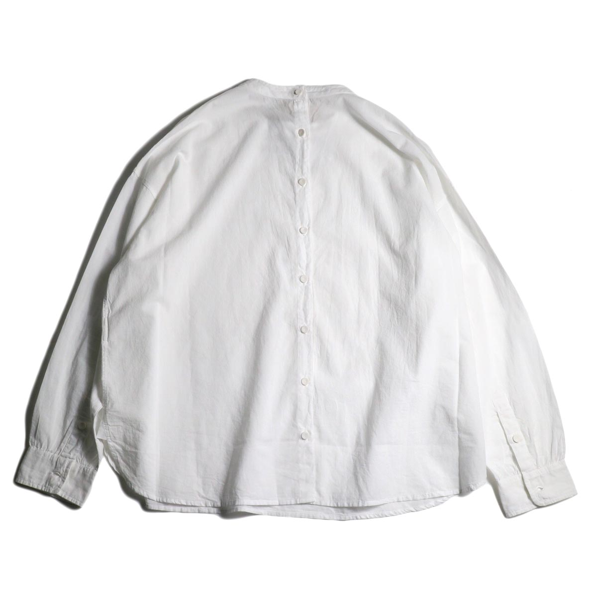 maison de soil / BACK OPENING STAND COLLAR SHIRTS(WHITE)背面