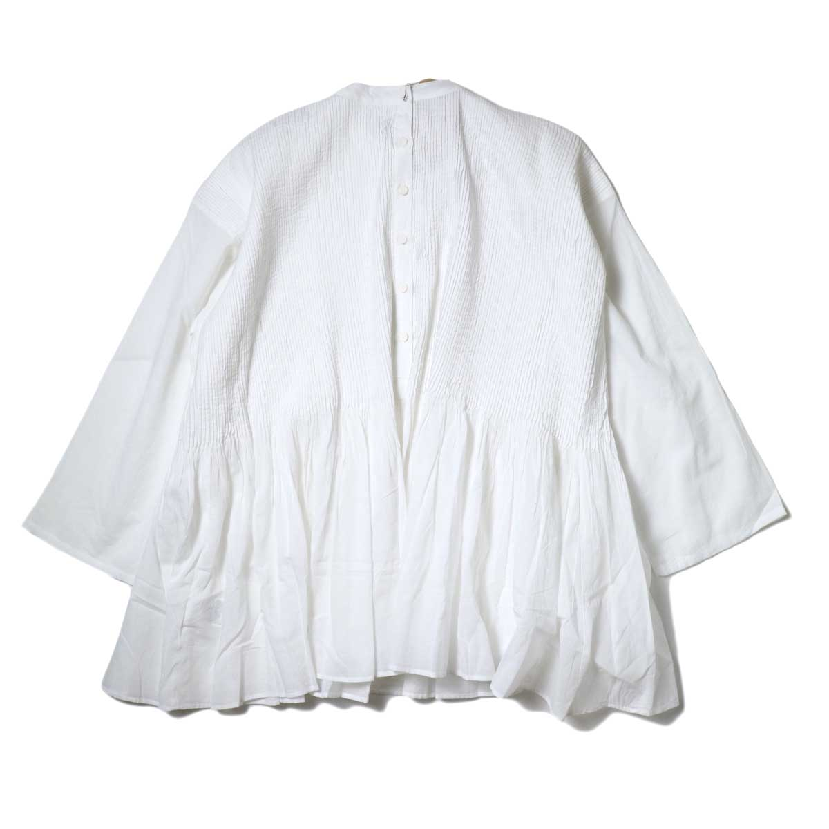 maison de soil / BACK OPENING STAND COLLAR SHIRT WITH MINI PINTUCK (White) 背面