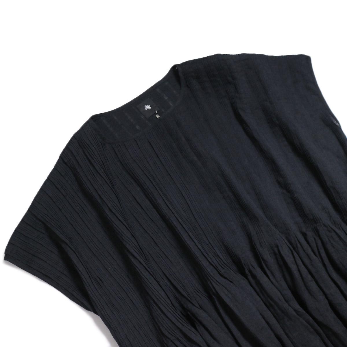 maison de soil / Random Pleats Dress -Black 首元