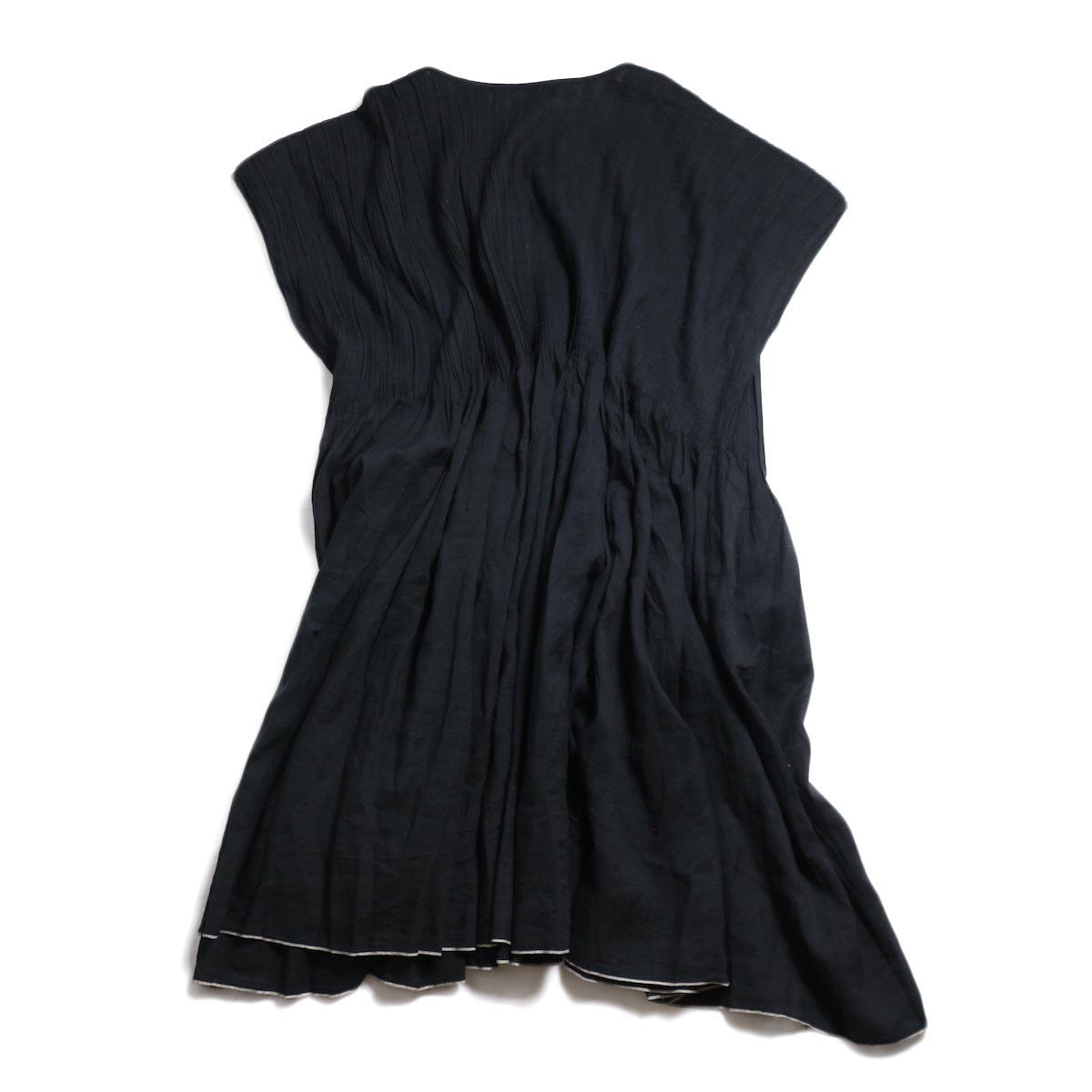 maison de soil / Random Pleats Dress -Black 背面